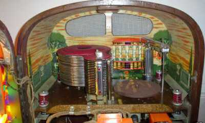 Rock-Ola model 1422 Jukebox of 1946 at www.pinballrebel.com