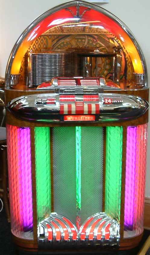 wurlitzer jukebox model 1100 of 1948 1949 at. Black Bedroom Furniture Sets. Home Design Ideas