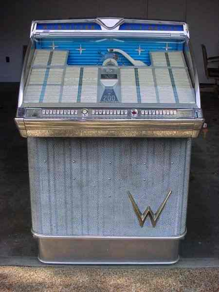 Wurlitzer Jukebox Model 2300 of 1959 at www pinballrebel com