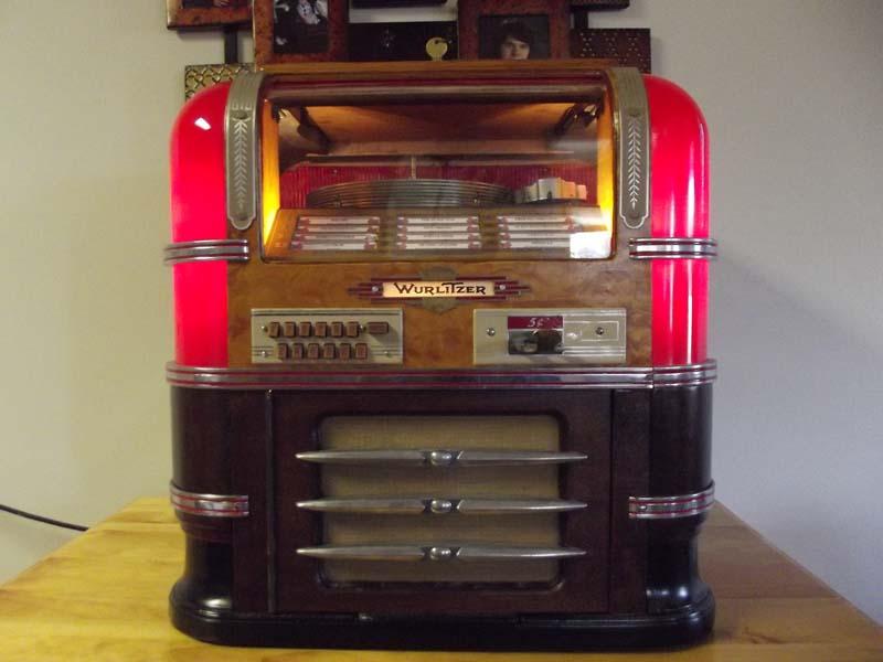 Wurlitzer model 61 Countertop Jukebox of 1939 at www.pinballrebel.com