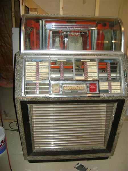 Free Jukebox Classified Ads Seeburg Wurlitzer Rock-Ola & Ami at www
